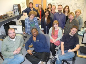 The 2013 print class gathers for one last time in the newsroom.