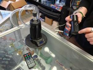 Jeff Oaks loading a marijuana vaporizer